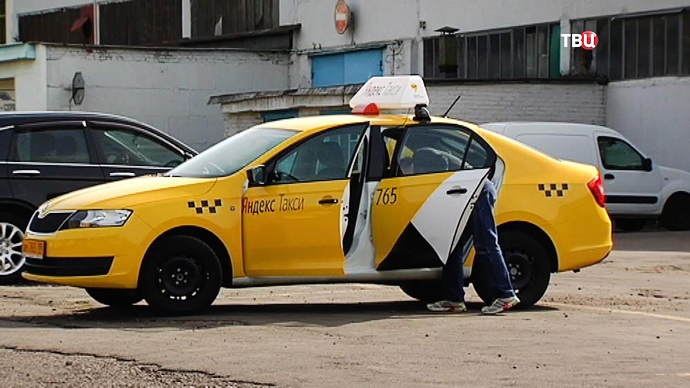 14 В Москве разгорелся конфликт между таксистами и агрегаторами приема заказов