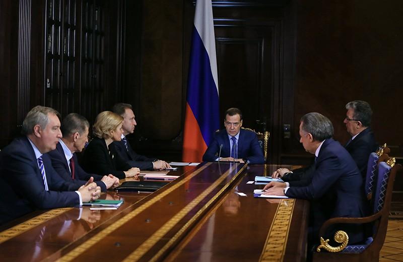 Дмитрий Медведев проводит совещание с вице-премьерами России