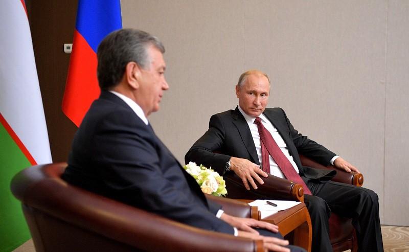 Президент России Владимир Путин и глава Узбекистана Шавкат Мирзиёев