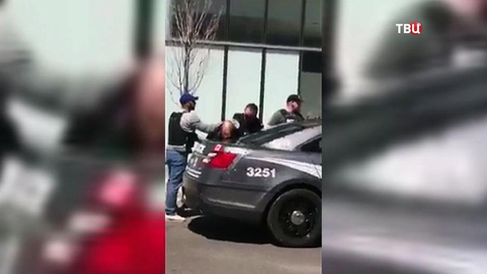 Задержание водителя фургона наехавшего на людей в Торонто