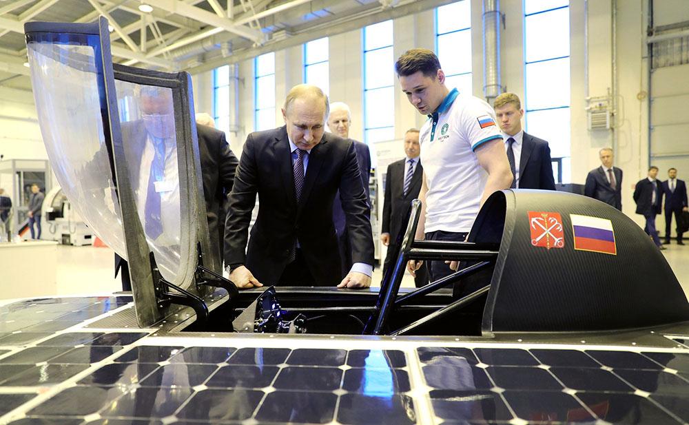 Владимир Путин посетил Санкт-Петербургский политехнический университет Петра Великого