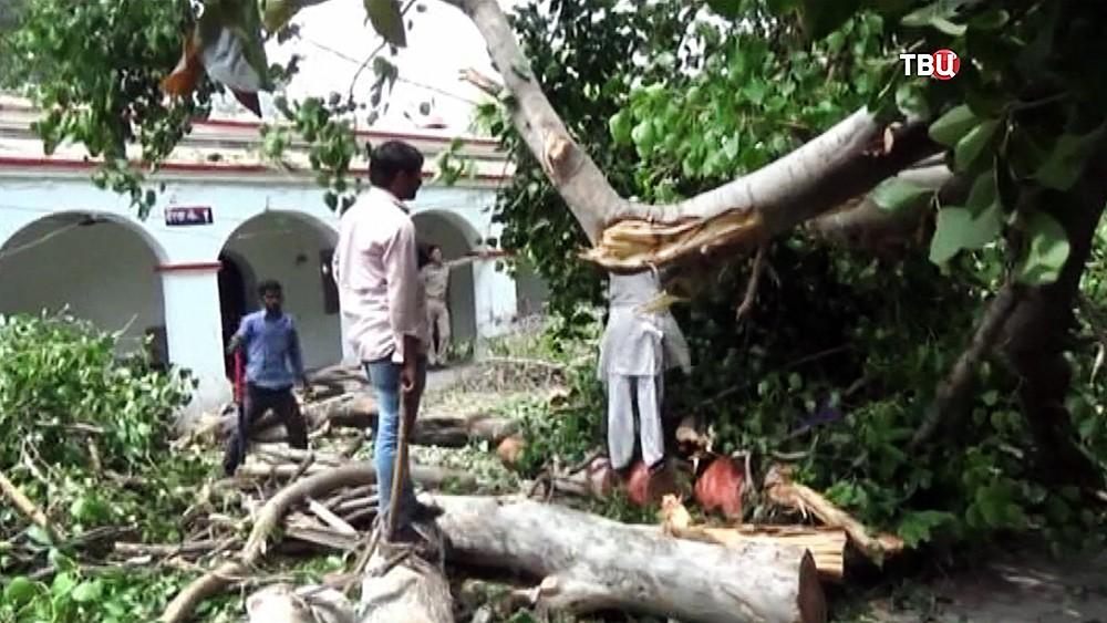 Последствия урагана в Индии