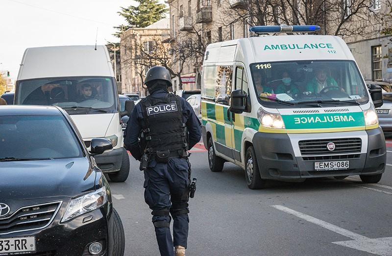 Полиция и скорая помощь Грузии