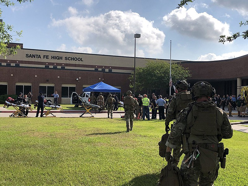 Стрельба в средней школе в городе Санта Фе, США