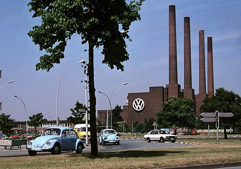 Вид на завод Volkswagen в Вольфсбурге