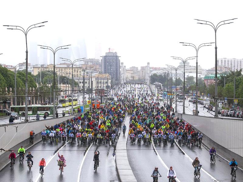 Московский велопарад на Садовом кольце