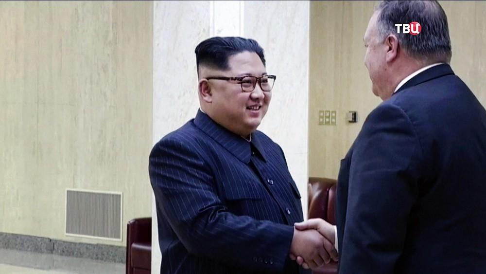 Лидер КНДР Ким Чен Ын и Майк Помпео