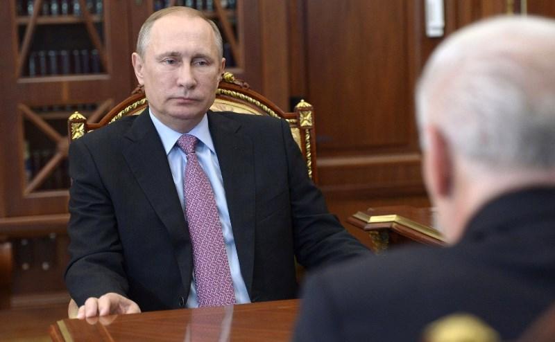 Владимир Путин и губернатор Магаданской области Владимир Печеный