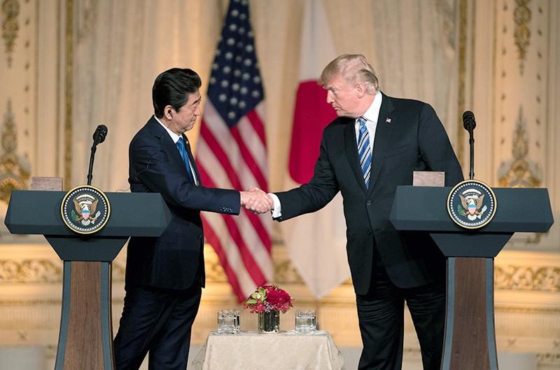 Президент США Дональд Трамп и премьер Японии Синдзо Абэ