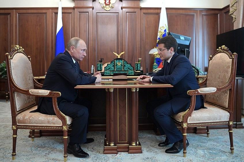 Владимир Путин и Дмитрий Артюхов