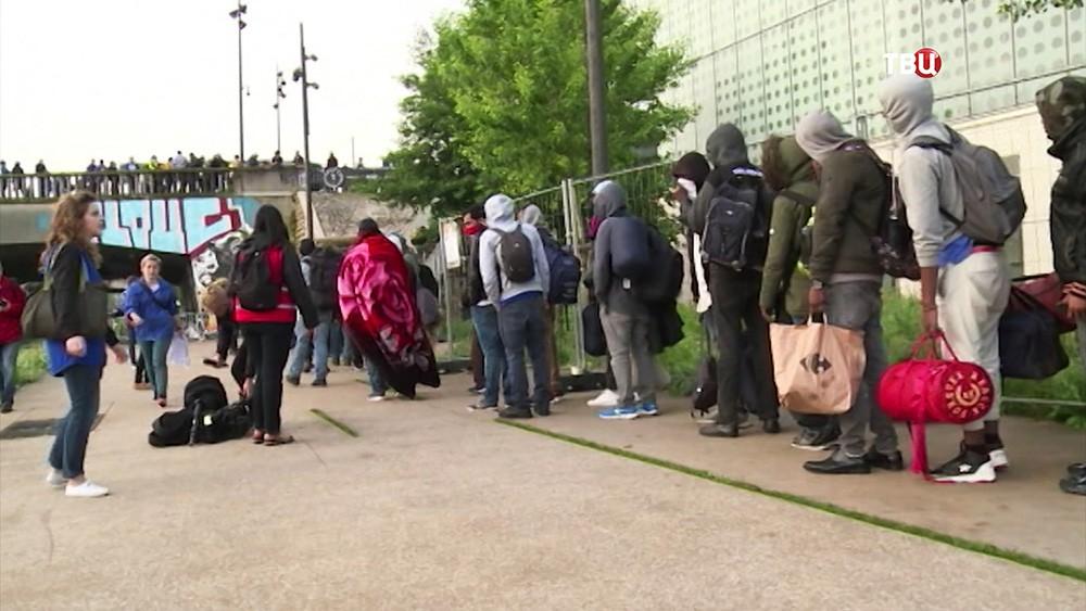 Ликвидация лагеря нелегальных мигрантов во Франции
