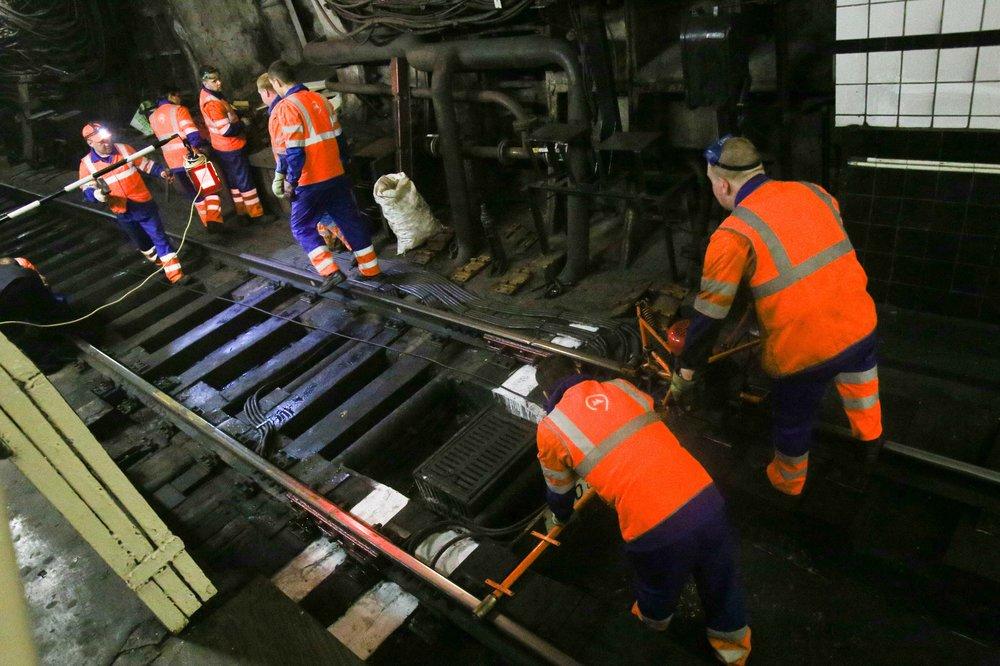 Работы по обновлению путей Московского метрополитена на бесстыковые