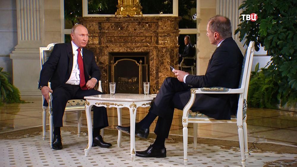 Президент России Владимир Путин даёт интервью австрийской теле-радокомпании ORF