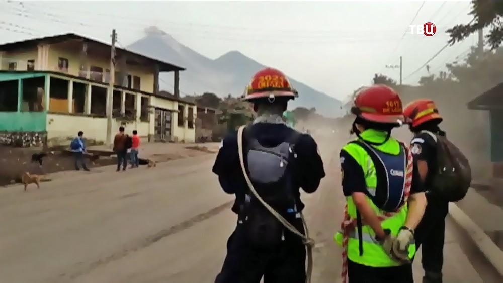 Спасатели Гватемалы