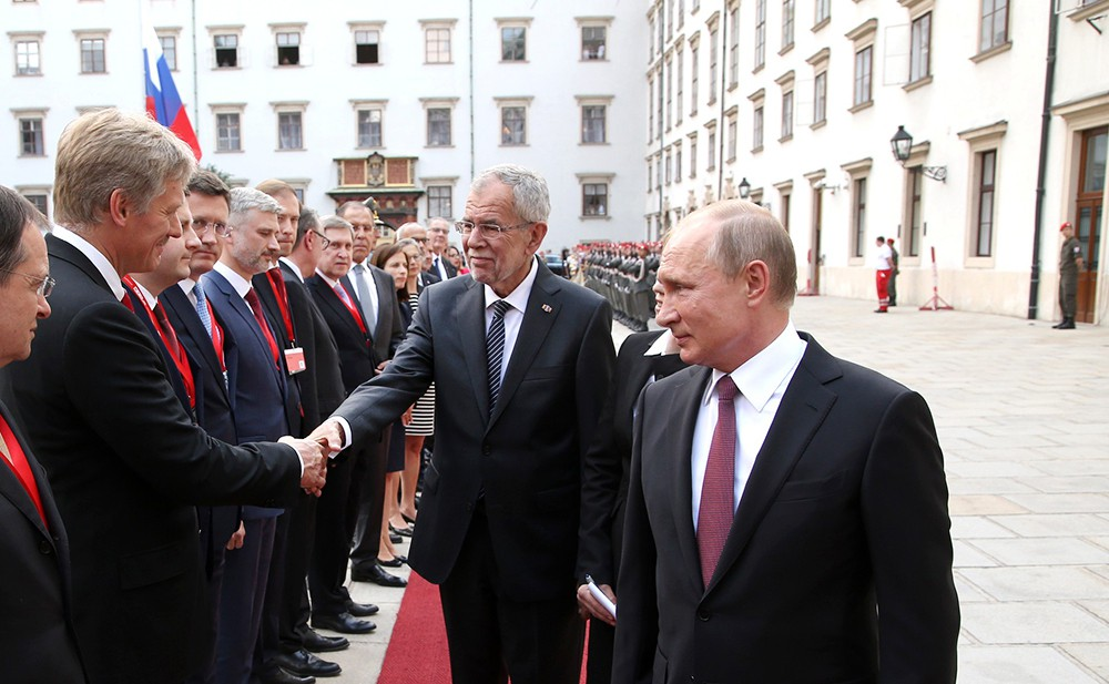 Президент России Владимир Путин и президент Австрии Александр Ван дер Беллен