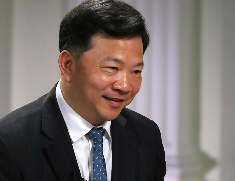Председатель Медиакорпорации Китая Шэнь Хайсюн во время интервью