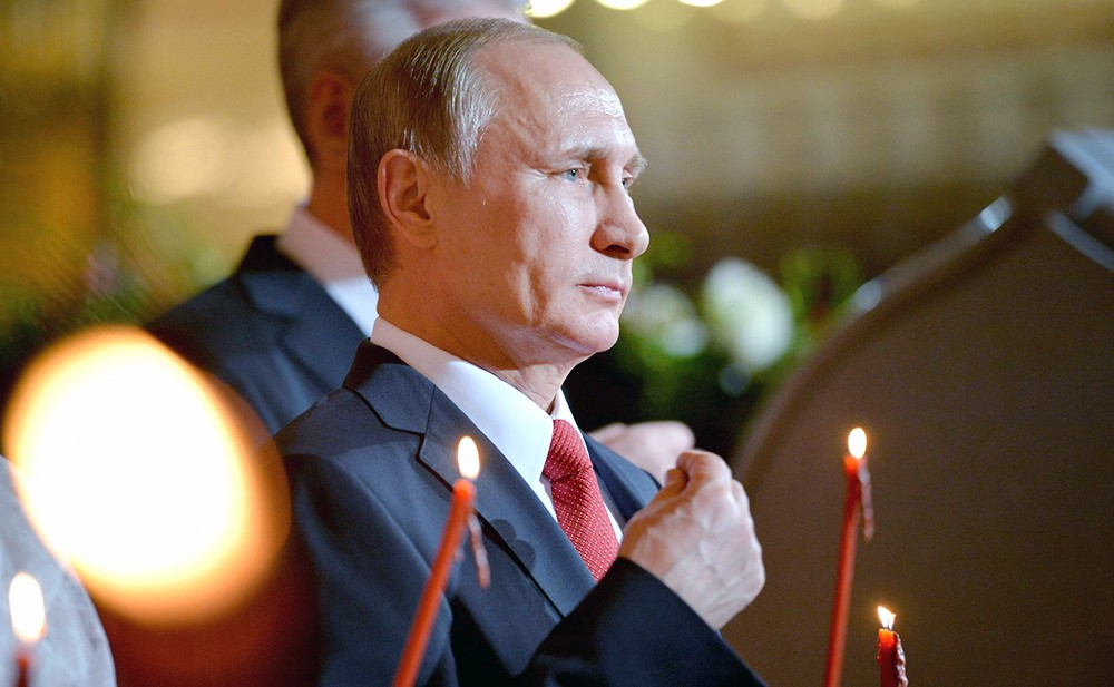 Владимир Путин в храме
