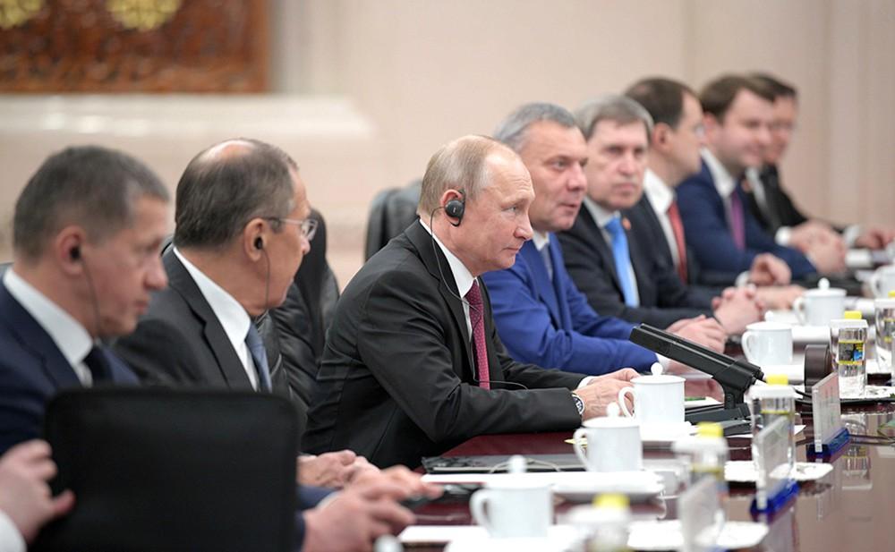 Президент Владимир Путин на российско-китайских переговорах