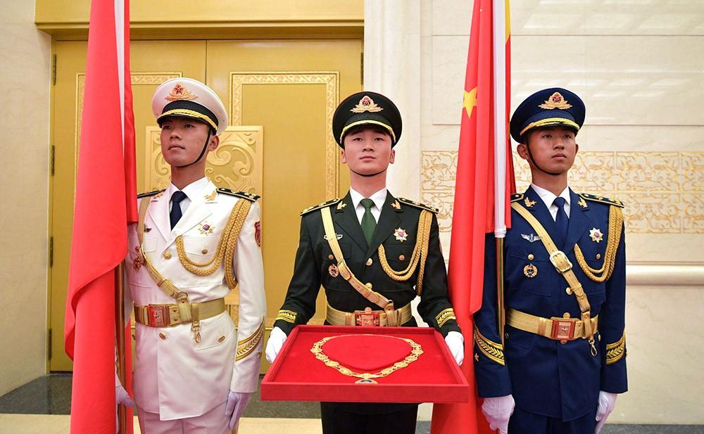 Церемония награждения Президента России Владимира Путина орденом Дружбы КНР