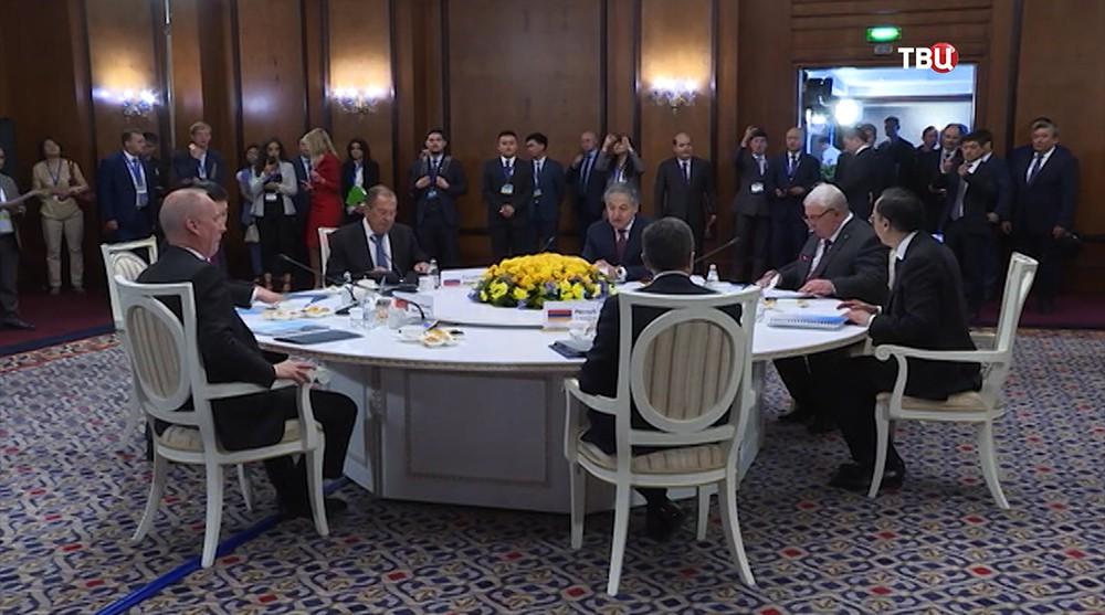 Главы МИД стран ОДКБ на встрече в Алма-Ате