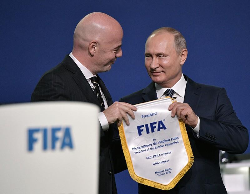 Президент России Владимир Путин и президент FIFA Джанни Инфантино