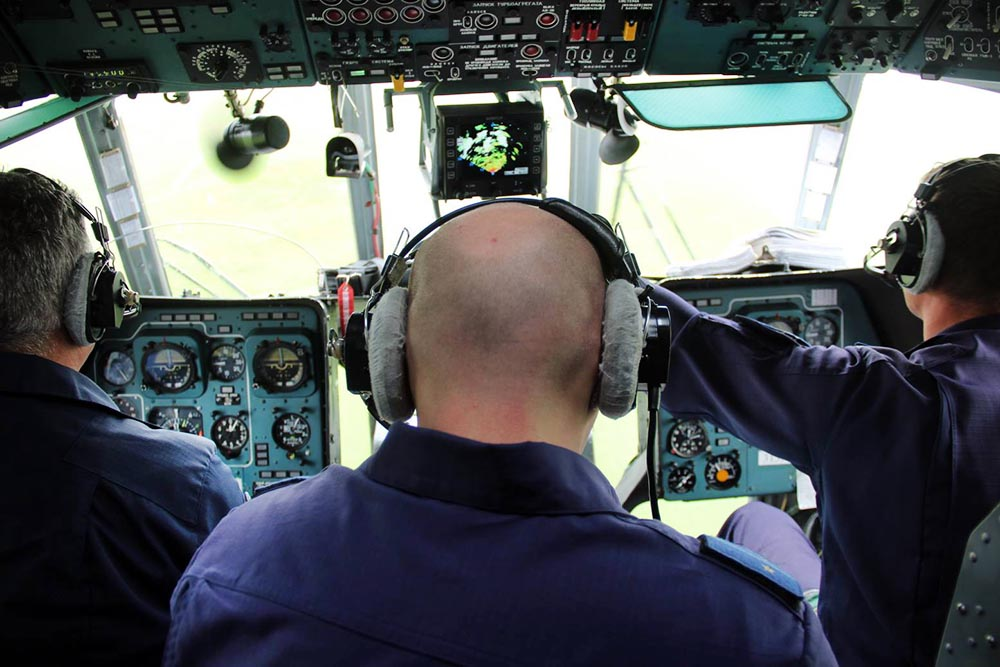 Пилоты вертолета Ми-8