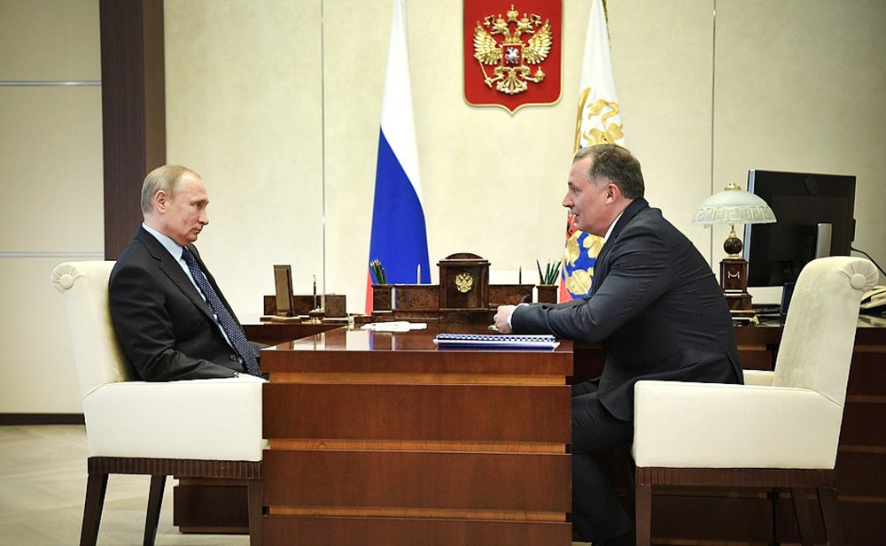 Владимир Путин и глава ОКР Станислав Поздняков