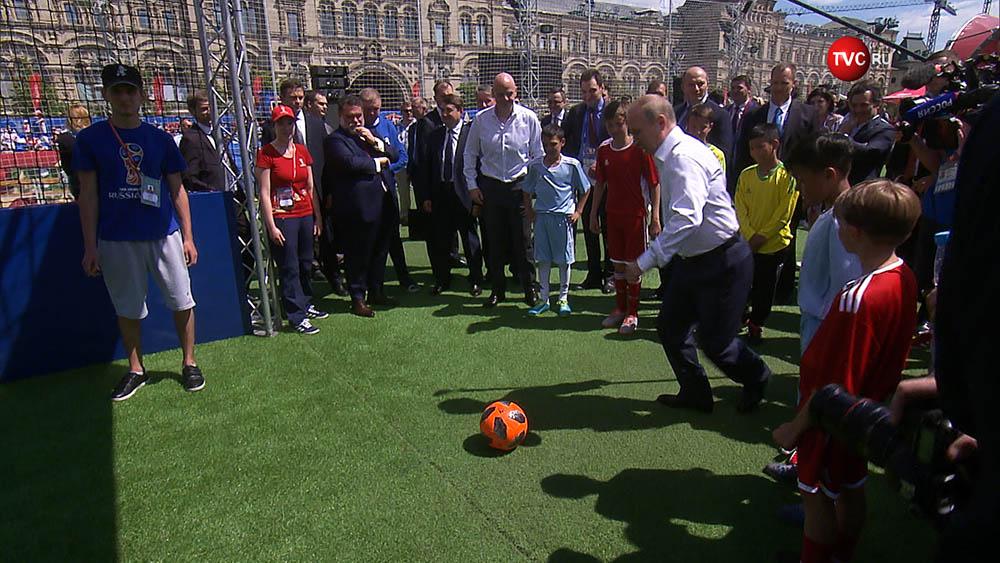 Владимир Путин в Парке футбола