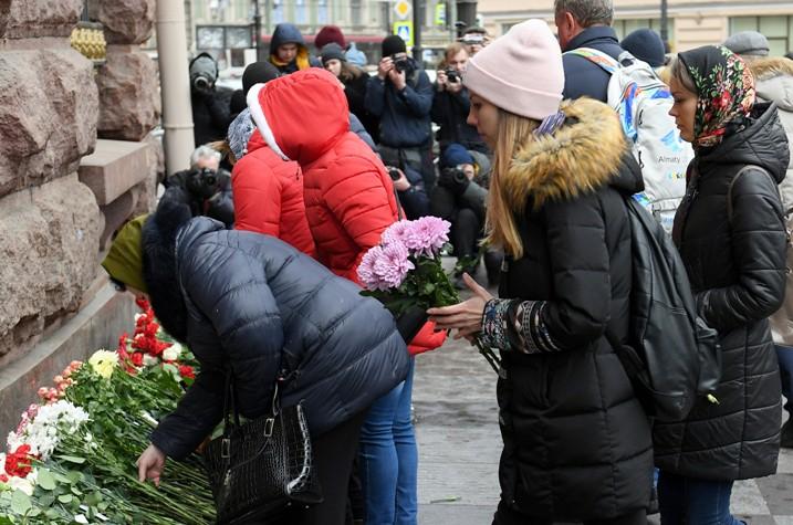 Родственники погибших в теракте в метро Санкт-Петербурга 3 апреля 2017 года