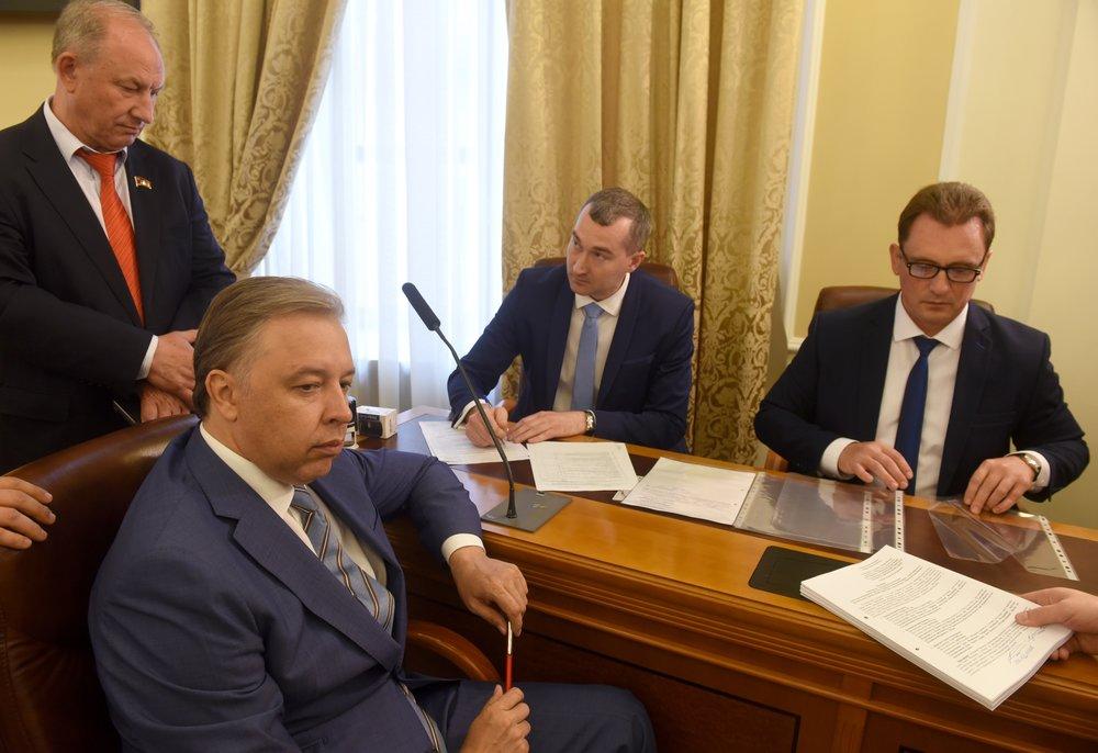 Подача документов кандидата в мэры Москвы Вадима Кумина в Мосгоризбирком
