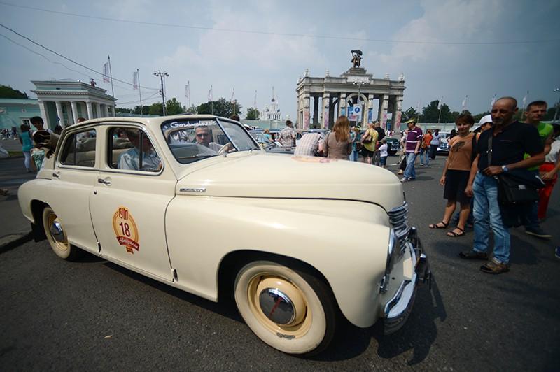 Выставка ретро-автомобилей на ВДНХ