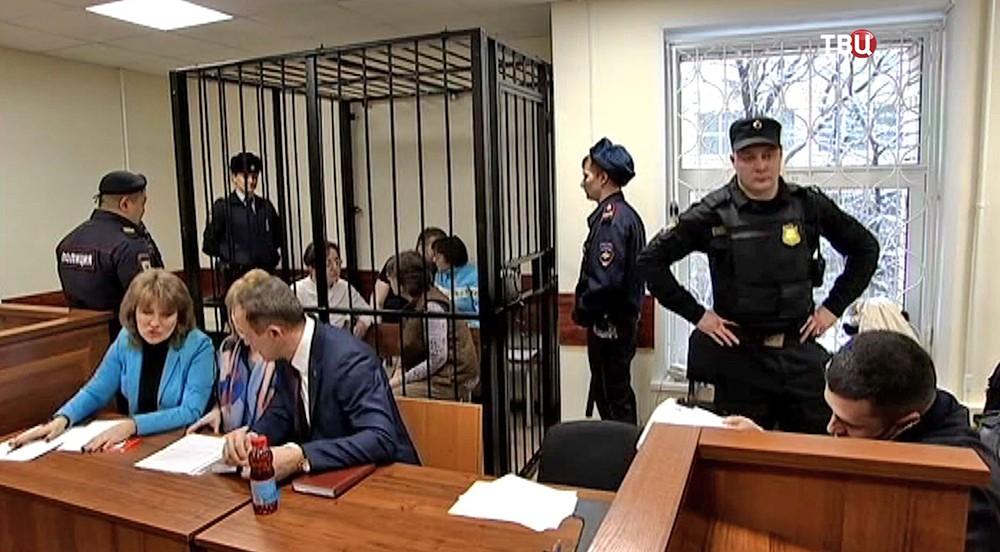 """Лидер секты Андрей Попов (""""бог Кузя"""") в зале суда"""