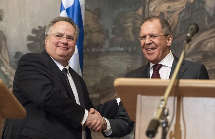 Министр иностранных дел Греции Никос Котзиас и глава МИД России Сергей Лавров