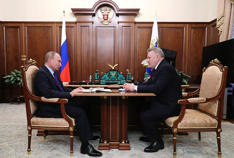 Владимир Путин и губернатор Хабаровского края Вячеслав Шпорт