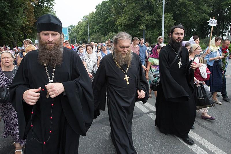 Участники Крестного хода, посвященного 1030-летию Крещения Руси