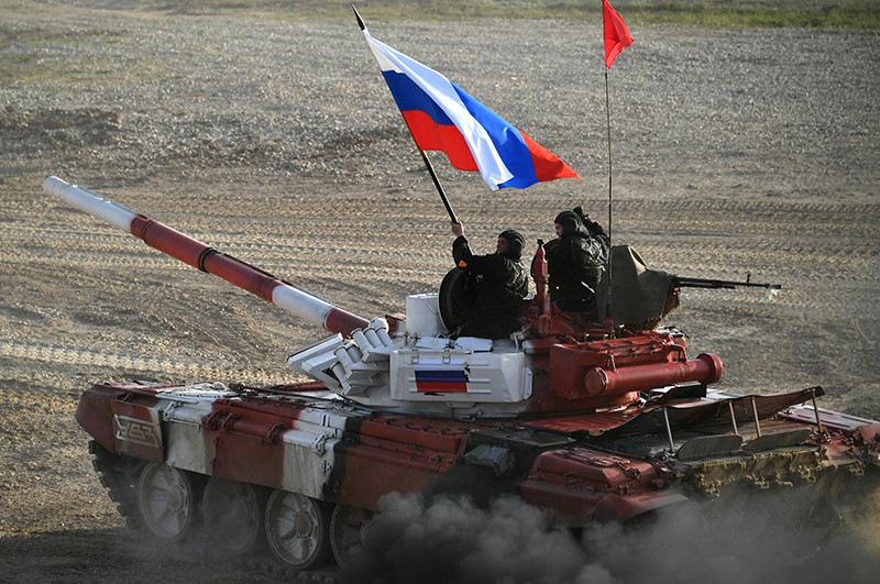 Танк команды армии России