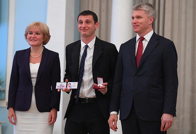 Футболисты сборной России получили звания заслуженных мастеров спорта