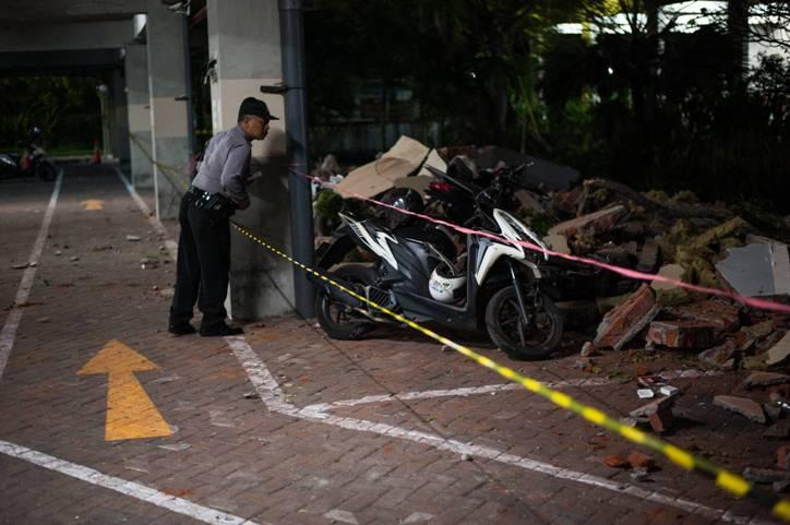 Последствия землетрясения в Индонезии