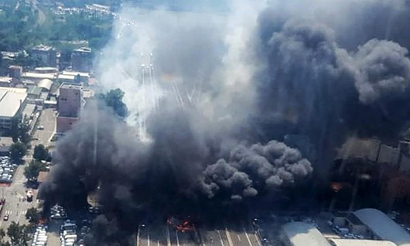 Взрыв бензовоза возле аэропорта Болоньи, Италия