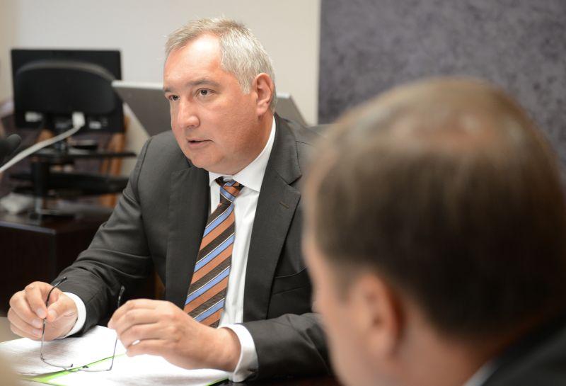 Дмитрий Рогозин проводит совещание в Центре Хруничева