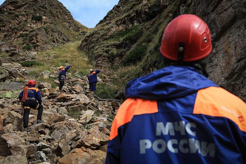 Эвакуации пострадавшего туриста из горно-скалистой местности