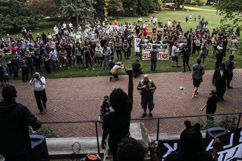 Акция по случаю годовщины беспорядков в Шарлотсвилле
