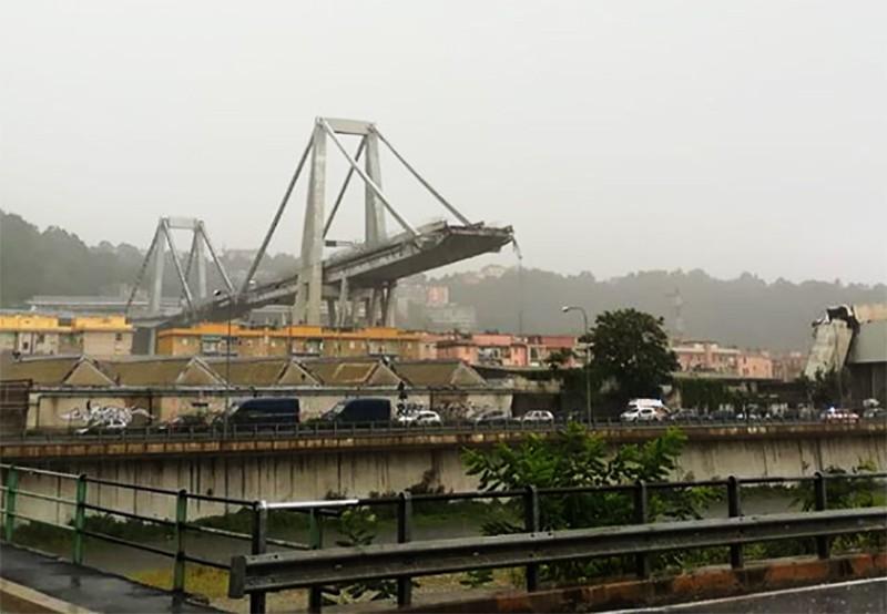 Обрушение моста в Генуе, Италия