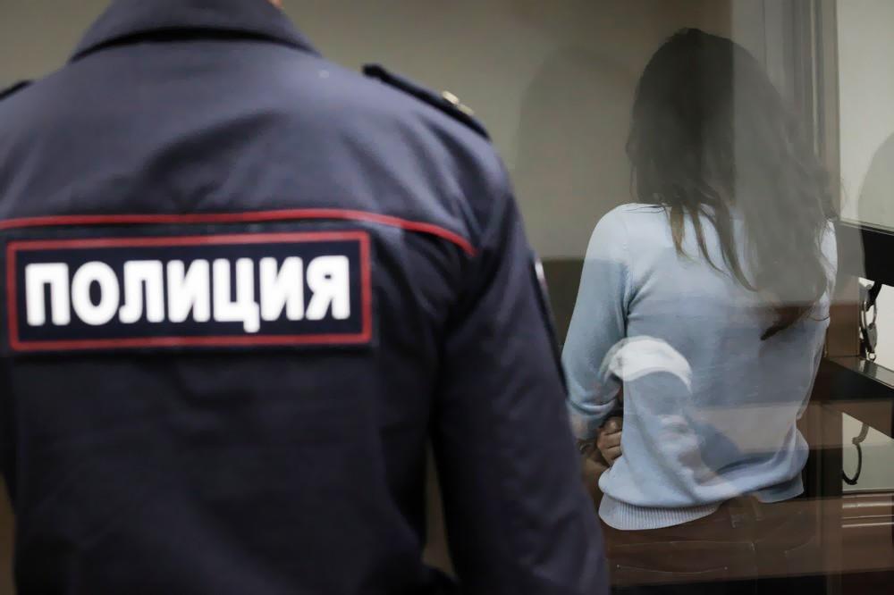 19-летняя Крестина Хачатурян в суде