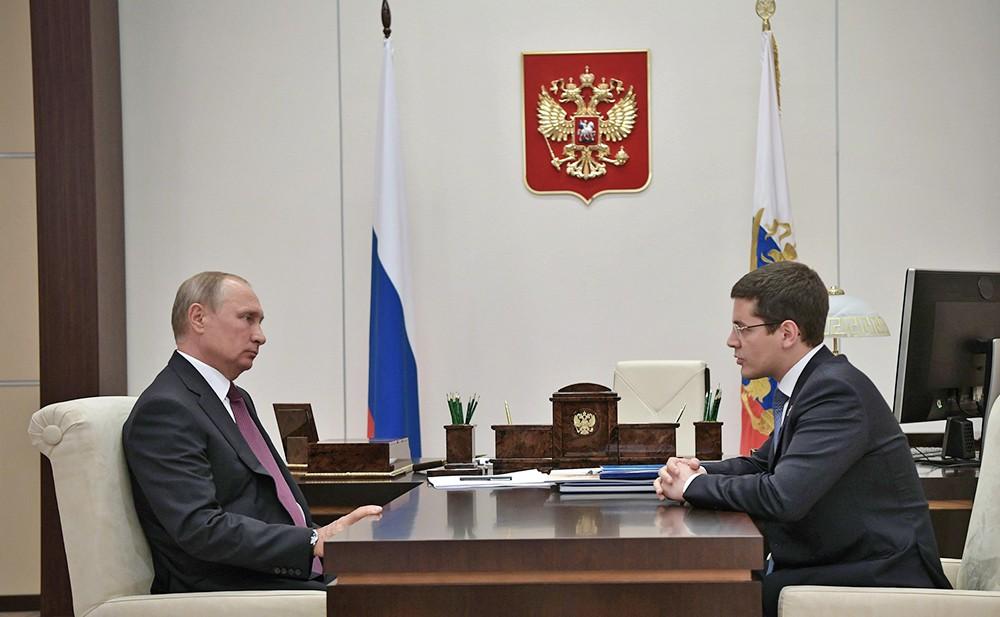 Президент России Владимир Путин и врио губернатора Ямало-Ненецкого автономного округа Дмитрий Артюхов