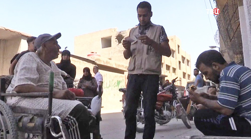 Жители Сирии празднуют Курбан-байрам