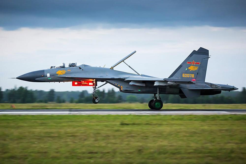 Истребитель ВВС КНР
