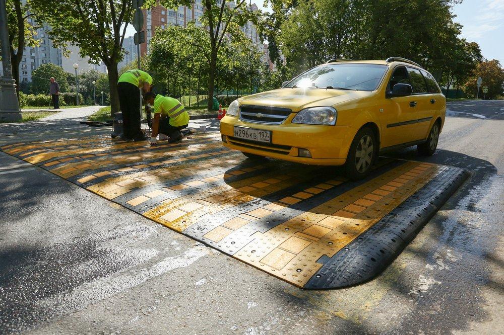 Монтаж приподнятого пешеходного перехода