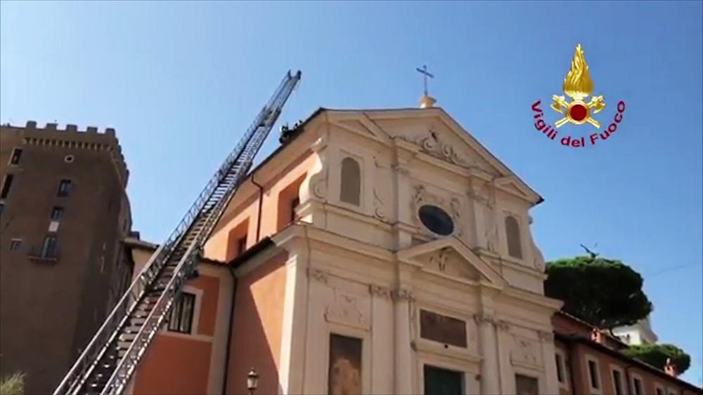 Обрушение крыши церкви в Риме