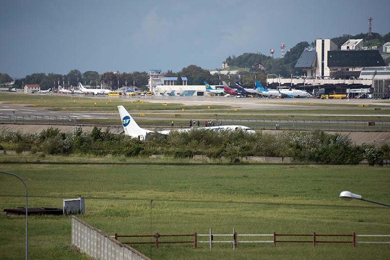 Самолет Boeing 737-800 авиакомпаниии Utair, рейса Москва - Сочи